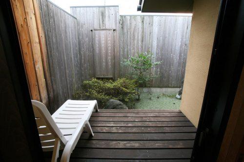 ひさかたの(十和田石風呂)中庭