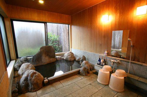 このたびは(岩風呂)浴室