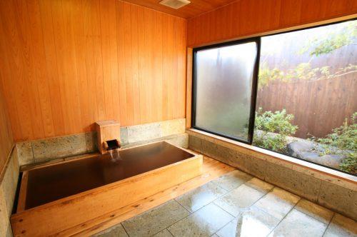 家族風呂 かぜそよぐ(檜風呂)